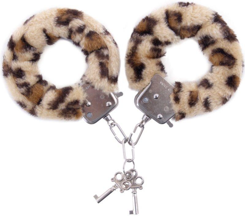 Наручники с леопардовым принтом на опушке фото